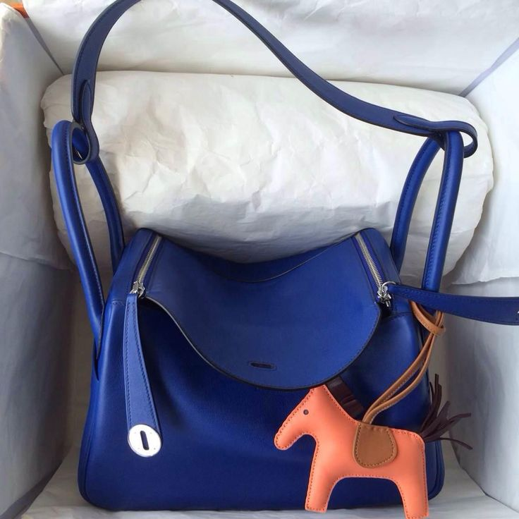 Brand new hermes lindy bag, available from Hermaz All our bags ship from Hongkong by DHL. Serious buyer feel free to contact for more details Whatsapp: +852 5161 9028 Instagram: hermazltd #hermes#ヘルメス#헤르메스#Гермес#гермескелли#гермескелливналичии#гермесбиркин#Hermès#hermeslindy#lindy30#lindy36#lindy26#هرميز