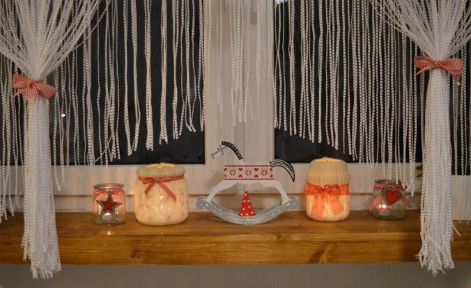 pomysł na wełniany świecznik. Window decoration - wool christmas lanterns