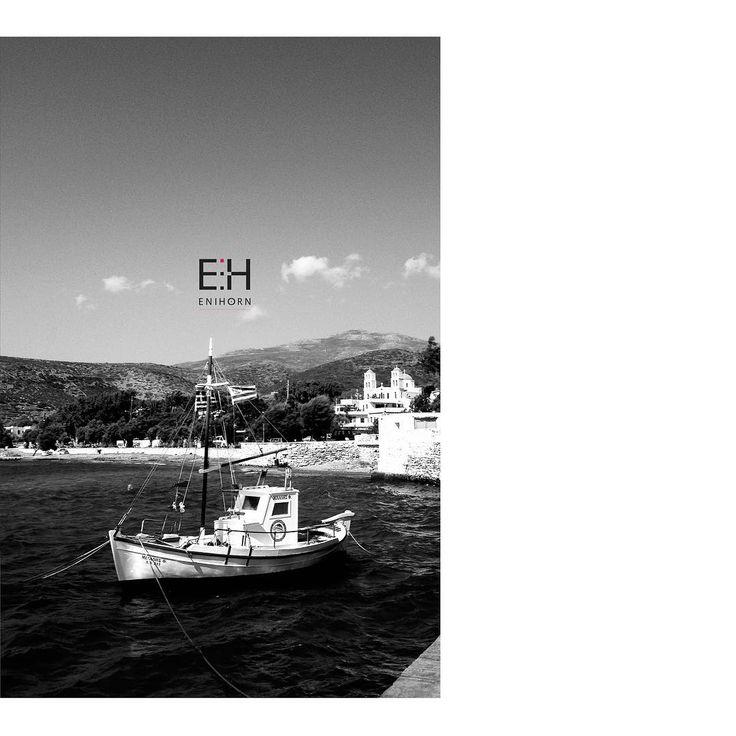 •E N I H O R N CAMPAIGN SS'17• Can't wait to #travel again! . . . . . . . #hungarian #designer #fashion #springsummer #ss2017 #ship #monday #hello #bnw #blackandwhite #enihorn #sea