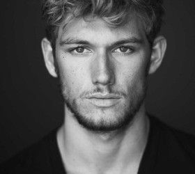 Alex Pettyfer photos – 6
