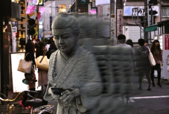 老害「歩きスマホはやめろ!危ない!マナー悪い!」   ぼく「ふーん じゃあ日本中の二宮金次郎の像もぶっ壊さないとだね」