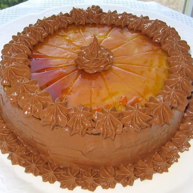 Seven Layers of Heaven: A Hungarian Dobosh Torte Recipe: Hungarian Dobosh Torte - Dobos Torta