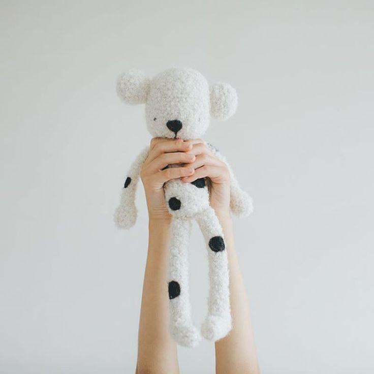 #wool #handmade #teddybear #croched #blackandwhite #amigurumi #minimal #minimaldesign #designdaily #baby #knittersofinstagram #crafts #instacrochet #hækling #dot #style #cute #keepcreative #pattern #kids #kidsofinstagram #softie #organic #fun #woolmetender #etsybaby #organicbaby #modernbaby #socialresponsibility #musthave