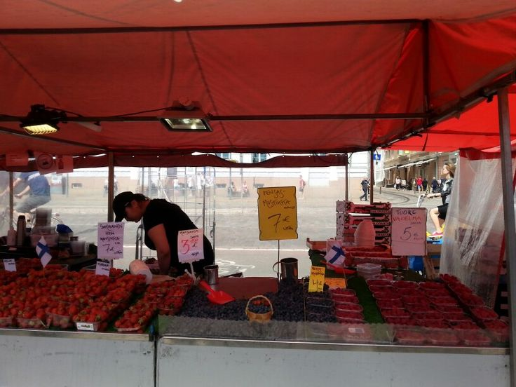 Delicious strawberries and raspberries at Kauppatori Market Square.