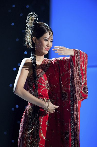 Miss Singapore | Community Post: 30 Gorgeous Miss Universe National Costumes