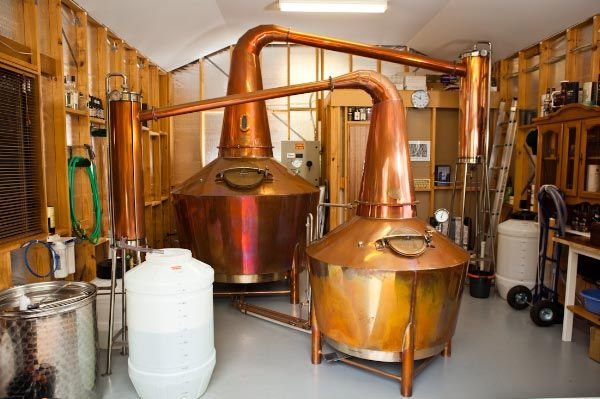 Knapp Lewer: Whisky Stills Made in Tassie