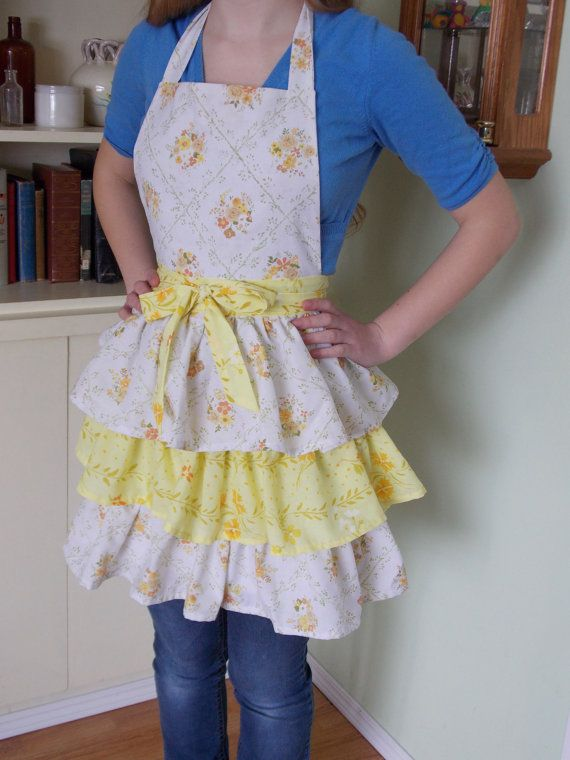 Ladies Triple Tiered Apron Made From Vintage by content2Bsew
