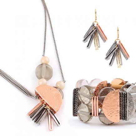 Collier/necklace: DALIA 03-C   Bracelet: VALERIAN 01-C   Boucles d'oreilles/earrings: RUELIA 01