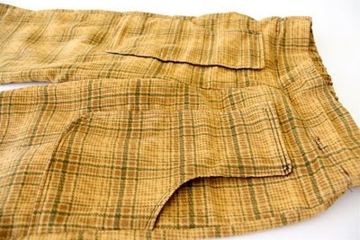 Flat front pant pockets