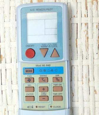 Mando universal para aparatos de aire acondicionado.  Display LCD. Fácil programación. Autobúsqueda del modelo de mando a distancia. Compatible con 100 marcas de aparatos de aire acondicionado: Mitsubishi, Sanyo, Sharp, Daewoo (cod. 466, 467), Toshiba, Hitachi, Fujitsu, Daitsu (cod. 266), Panasonic, Corona, Whirpool, Daikin, Chofu, Samsung, Funai, LG, Goldstar, General Electric, Hyundai, Carrier, Philco, Haier, Huabao, Electrolux, Fagor, Haier, Hisense....
