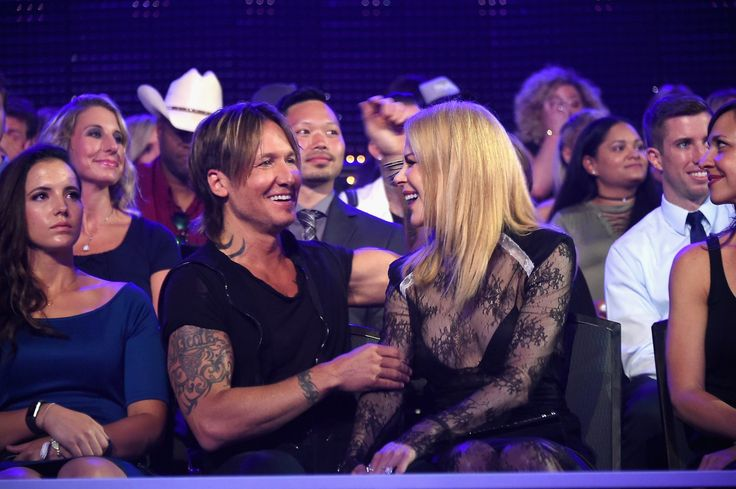 "NASHVILLE, Tenn. -- After walking away empty-handed at the Grammy Awards and the Academy of Country Music Awards earlier this year, Keith Urban found redemption at the 2017 CMT Music Awards, picking up four honors including video of the year for ""Blue Ain't Your Color."" The country star also won male video, collaborative video and social superstar of the year at the Music City Center in Nashville, Tennessee."