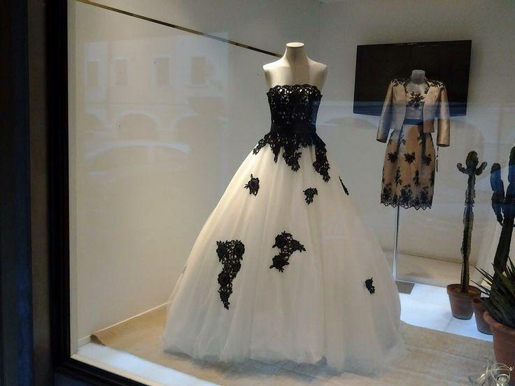 Vetrina www.danielasposa.it #abitidasposa #sposa #weddingdress #wedding #matrimonio #abitodacerimonia