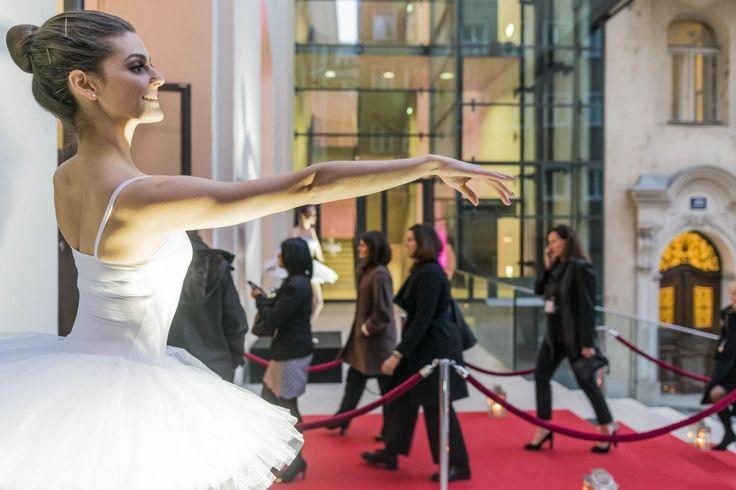 Ballet-Hostess beim INREV Gala Dinner  #eventfotografie #wien