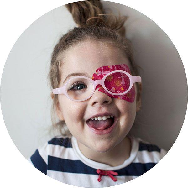 Przeczytaj: Jak rozpoznać nieprawidłowości w rozwoju wzroku dziecka (do 8 roku życia) na największym blogu rodzicielskim w Polsce - dziecisawazne.pl