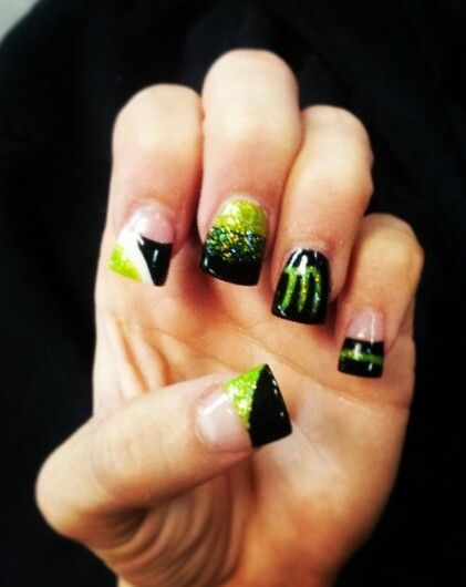 Supercross nails