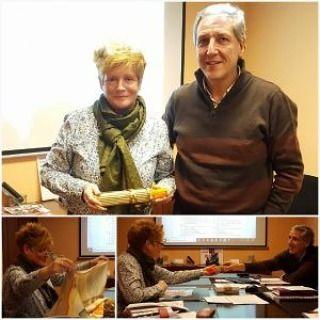 Relevos en el Consejo de Cáritas Diocesana de Bilbao:  Con el cambio de año ha coincidido el relevo de dos de las Consejeras Territoriales que representan al voluntariado de Cáritas en las siete Vicarías que componen nuestra Cáritas Diocesana.  En el Consejo celebrado en diciembre Carlos Bargos director de Cáritas Bizkaia  dio las gracias a Marián Bilbao por su labor de representación de la Vicaría II en el Consejo Diocesano de Cáritas. A partir de ahora Marian Sobrino -voluntaria de…