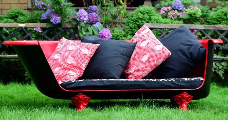 I want to make one!!  How to Make an Upcycled Vintage Cast Iron Claw-foot Bathtub Sofa