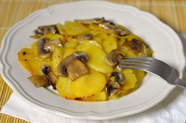 Картошка с грибами в сливках — Привет, Кухонька! Пошаговые рецепты с фотографиями