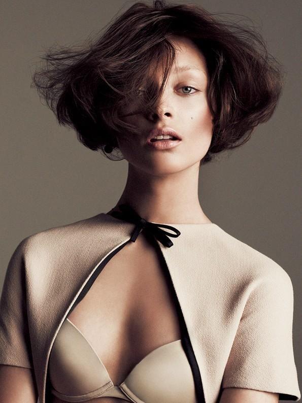 Daga Ziober by Mateusz Stankiewicz for Fashion Magazine Poland December 2011.