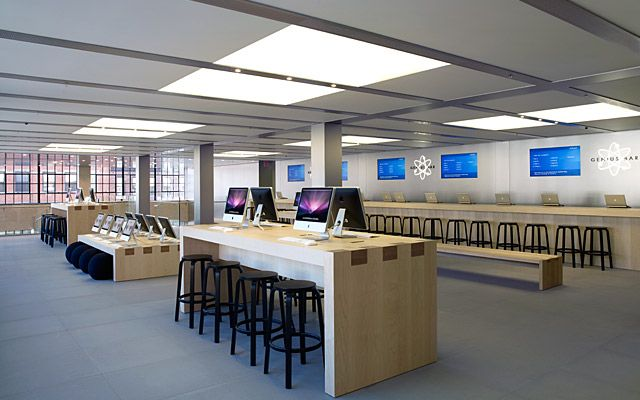 Apple Store, New York, USA.