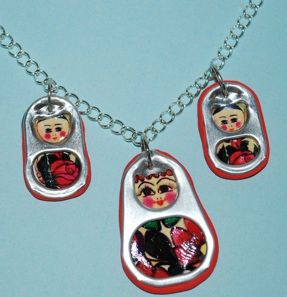 Matroyshka pop tabs necklace DIY #recycled #crafting #poptabs #matroyshka #necklace || PotpourriOfFAVORS