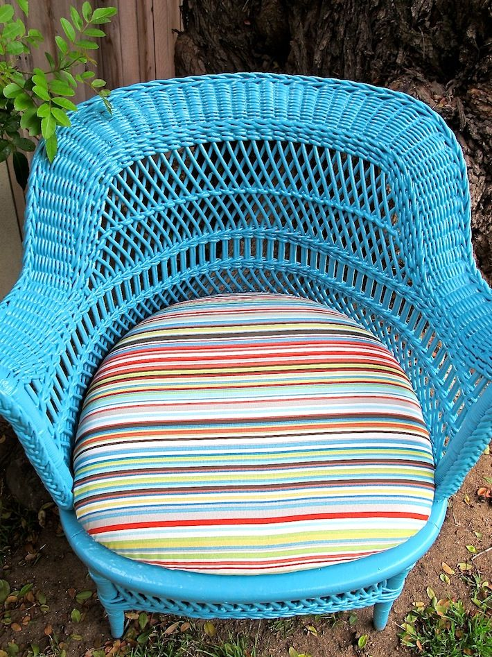 A How To And Spray Painting Wicker, Good For Future Use!