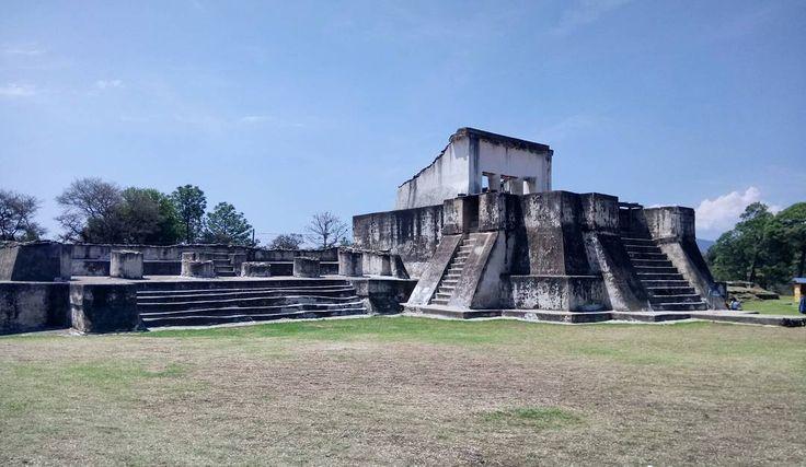 Ruinas de Zaculeu, Huehuetenango  #travelgirl #travelphotography #travel #photography #history #ilovetravel #guatemala http://tipsrazzi.com/ipost/1504641201562078857/?code=BThjzNthk6J