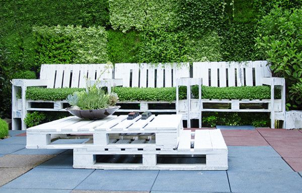 Free Wood Pallets- Where To Get Pallets and Reclaimed Materials - DIY Ready | DIY Projects - DIY Ready | DIY Projects