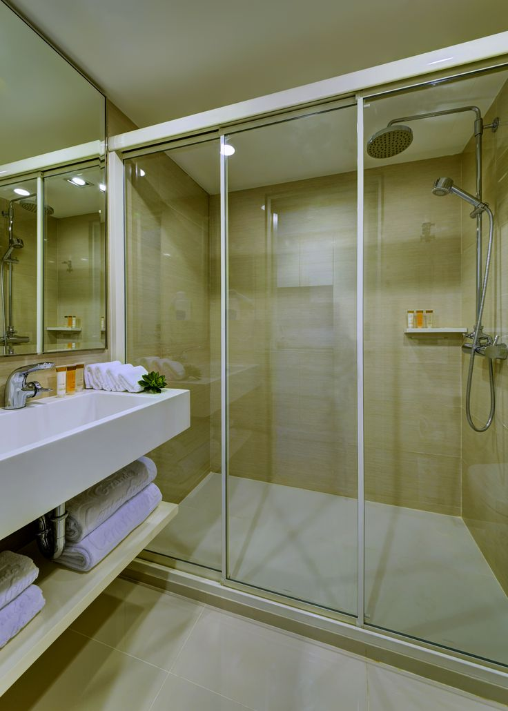 Bathroom of Deluxe Room and Grand Suite - Mandarin Hotel Managed by Centre Point