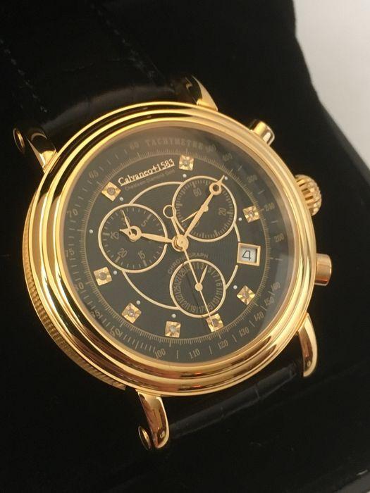 """Calvaneo 1583 """"Chesteem Gold""""-mannen horloge - 2017--ongedragen nieuwstaat.  Calvaneo 1583 Chesteem Gold mechanisch uurwerkAutomatische onder geschroefd zaak rug met inzetglas (automatische kaliber met 35 juwelen opgeslagen)Model CM-CHDH-0106Roestvrij staal-diamonds-verguldDiameter: 42 mmDikte: 13.5 mmGewicht: 90 gr.Zwarte leren band met gespsluiting van roestvrij staal lengte riem: ongeveer 20 cm totale lengte: over 24 cmGoud gekleurd zwarte wijzerplaat met toegepaste rose goud gekleurde…"""