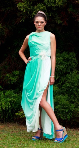 $600 NZD  Aqua Venus Couture Gown - Size 12  Absolute elegance.  Look like a goddess, feel like a goddess.    Stunning hand sewn mint green/aqua two-tone silk chiffon couture gown with high split. Top has weaving detail with a draped skirt. Comes with a braided waist belt.        Size 12.      Chiffon.      One only.
