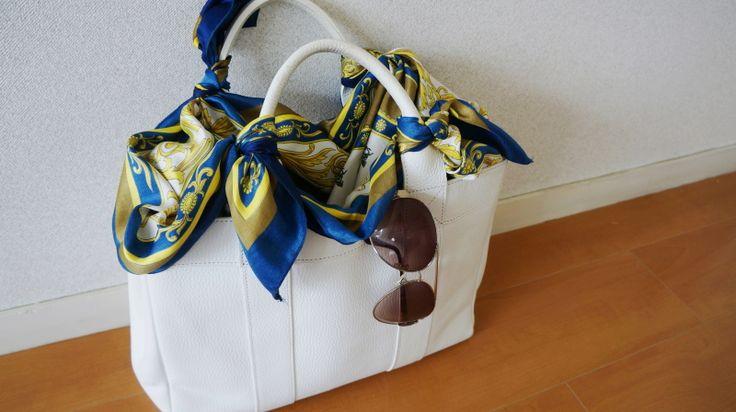 http://ameblo.jp/komatsu1108/entry-12164958905.html スカーフ巻き方  スカーフコーデ scarf arrangement scarf outfit エルメス カレ HERMES carres HERMES scarf アラフォーファッション  スカーフ巻き方 スカーフコーデ