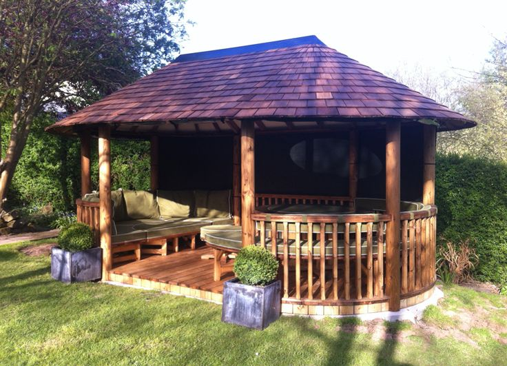 This stunning Breeze House is from our Oval Leisure range and features spacious separate lounge and dining areas. View our full collection online. #gardening #garden #gazebo #BreezeHouse #outdoorliving #outdoorinspo #outdoorideas