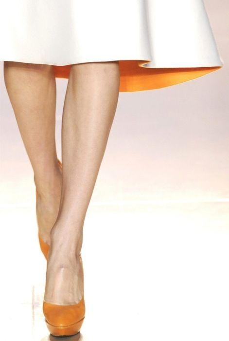 fall fashion...adoring the simple peek-a-boo detailing