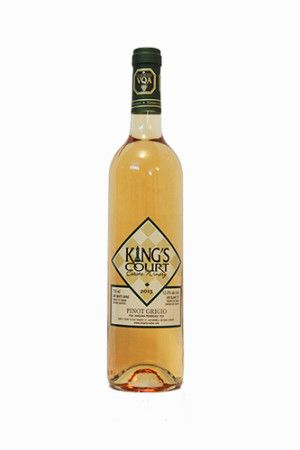 Niagara Wine I 2015 Pinot Grigio I Clear, pale pink colour fading to a water white rim. Nose of honey suckle, pears, bananas. Smooth palate with notes of golden plums, apples, and limes with a refreshing acidity. Great for curry or chicken dishes. 12.0% alc. / vol. 750 ml per bottle