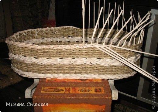 Самая необходимая вещь в доме, где есть маленькая девочка - кроватка для кукол!!! Описаний колясок в интернете море, добавлю свое. Может кому пригодится... фото 6