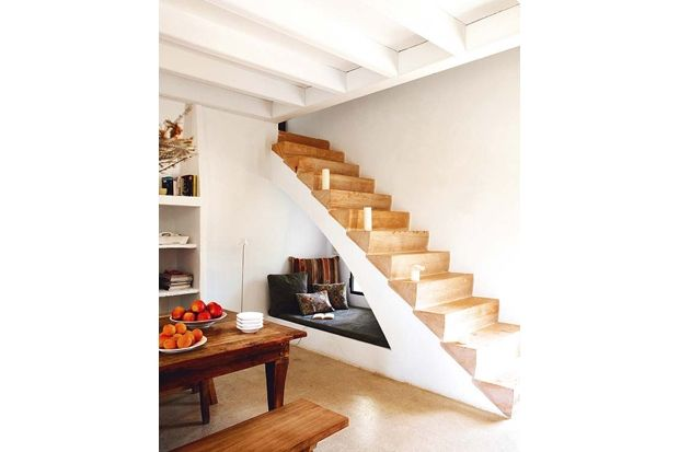 Who wouldn't want to live out a little Harry Potter nook-under-the-stairs fantasy?