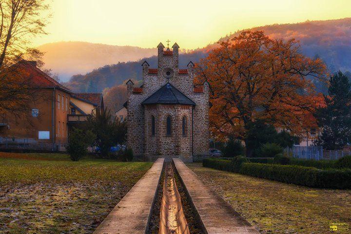 Kirche in Stecklenberg im Sonnenuntergang  Heute konnte ich mein letztes Projekt für 2017 fertigstellen das Fotobuch mit meinen schönsten Bildern des letzten Jahres. Jetzt konzentriere ich mich auf Weihnachten!  Ich wünsche euch einen schönen Abend. Schöne Grüße  (Teilen ist erlaubt und erwünscht!)  #Stecklenberg #Harz #Kirche #Thale #Sonnenuntergang #Sunset #Sunrise #Sun #Winter #Herbst #Canon