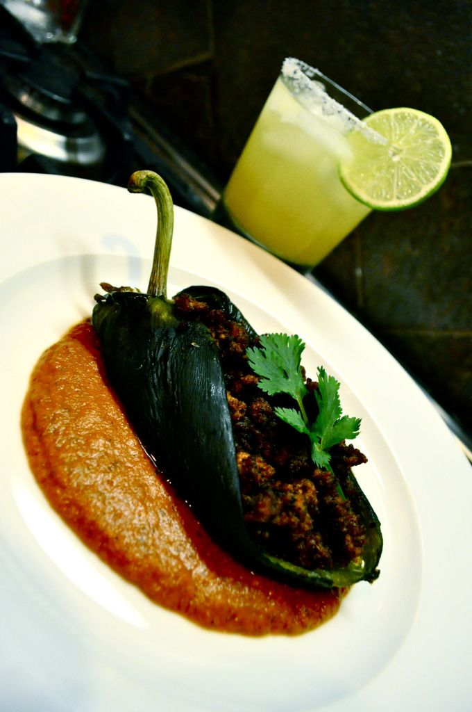 paleo chili relleno - I make this as a low carb option but always smothered in cheese. I'll try this Paleo version.