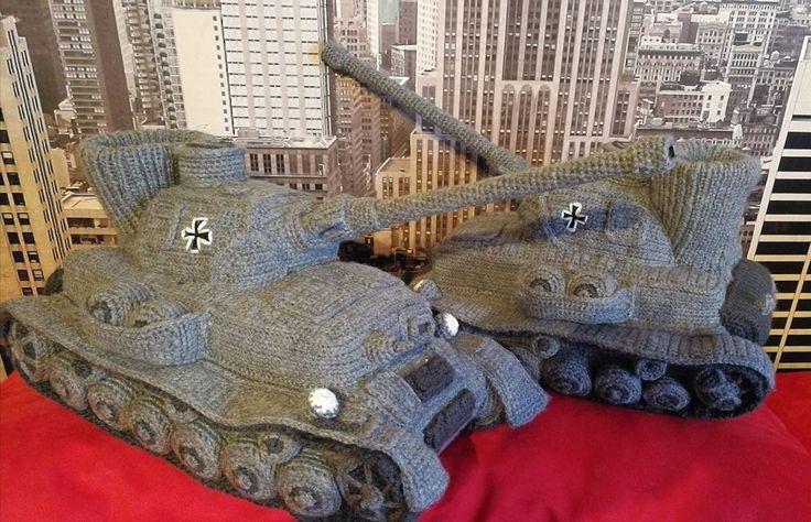 DIE Panzer Hausschuhe, Puschen, Groß., Stabil,  Einmalig,  Gr.  42-44