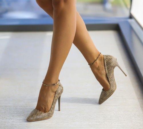Pe Bazar-net.ro un magazin online de reduceri si oferte gasesti: Pantofi Sema Gri Croco un produs la reducere vandut de dEpurtat.ro la pretul de 119.0 de lei. Daca vrei sa comanzi acest produs da C…