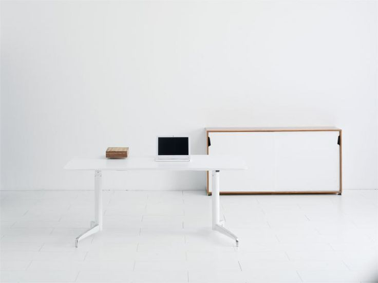Genese skrivbord och förvaring. Kontorsinredning hos Danish Form