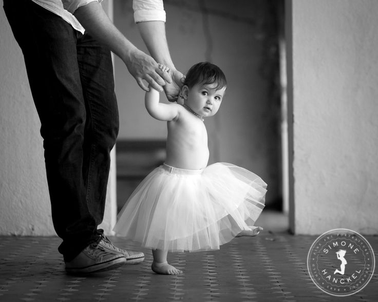 Soooo close to being able to walk, but why walk when you can dance?? © Simone Hanckel Photography