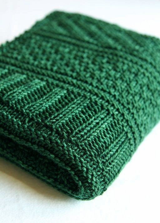 Color Esmeralda - Emerald Green!!! Knits