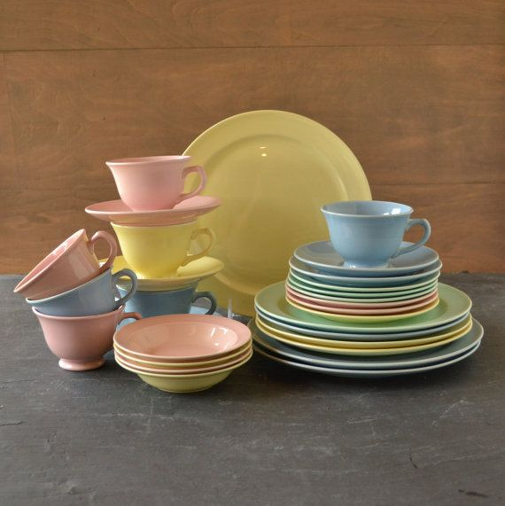 Vintage LuRay Pastels Dinnerware Set of 29 by VintageResolution $100.00 & 125 best Luray Pastel China images on Pinterest   Pastels ...