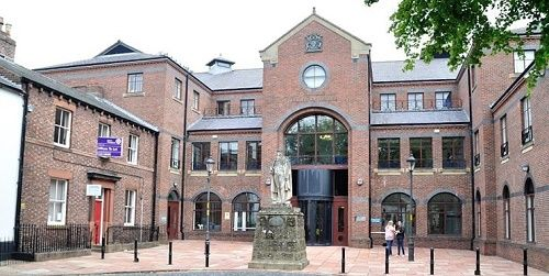 Penrith man admits blackmail charge http://www.cumbriacrack.com/wp-content/uploads/2015/07/Carlisle-Crown-Court-justice-large.jpg A MAN has appeared at Carlisle Crown Court and admitted a charge of blackmail.    http://www.cumbriacrack.com/2016/05/13/penrith-man-admits-blackmail-charge/