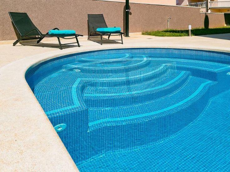 Achtformpool In 2020 Lap Pool Designs Swimming Pool Designs Pool Designs