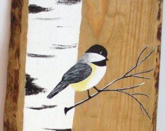 Items op Etsy die op Witte berk schilderij, geregenereerde Wood Pallet Art, TALL Hand geschilderde witte berk Chickadee vogel, upcycled, kunst aan de muur, Distressed, Shabby lijken