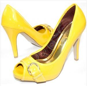Canary Yellow Wedding Shoes Are The Greatest surprise of The Season. http://www.weddingshoesblog.com/canary-yellow-wedding-shoes-are-the-greatest-surprise-of-the-season/ #weddingshoes #wedding #shoes #fashion