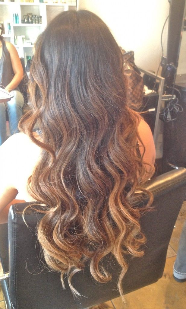 I'm in love with this subtle ombre! Love the balayage highlighting.